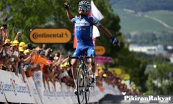 Impey Sukses Beak Away di Etape IX Tour de France 2019