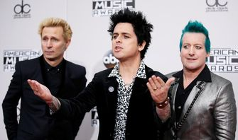 Tanggal 30 September, Saatnya Nyanyikan Lagu Wake Me Up When September Ends dari Green Day